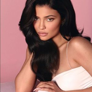 Kylie Cosmetics Makeup - Kylie setting powder Soft pink !